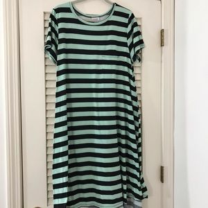 Mint green and black striped XL Carly!